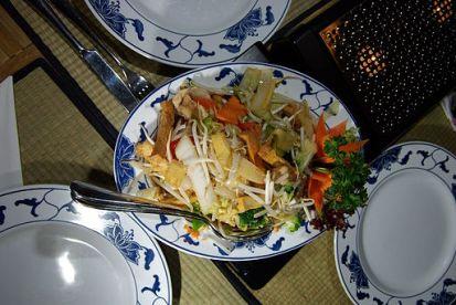 512px-Asiatische_Küche_in_Deutschland_-_Gericht_mit_Bambussprossen_IMGP9230